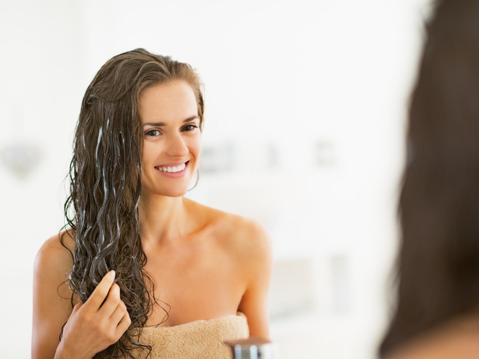 Sağlıklı ve parlak saçlar için avokado yağı nasıl kullanılır